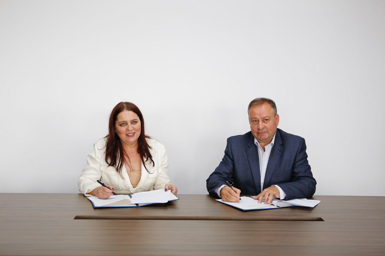 Ministrja Dumoshi viziton Podujevën, priten investime të shumta