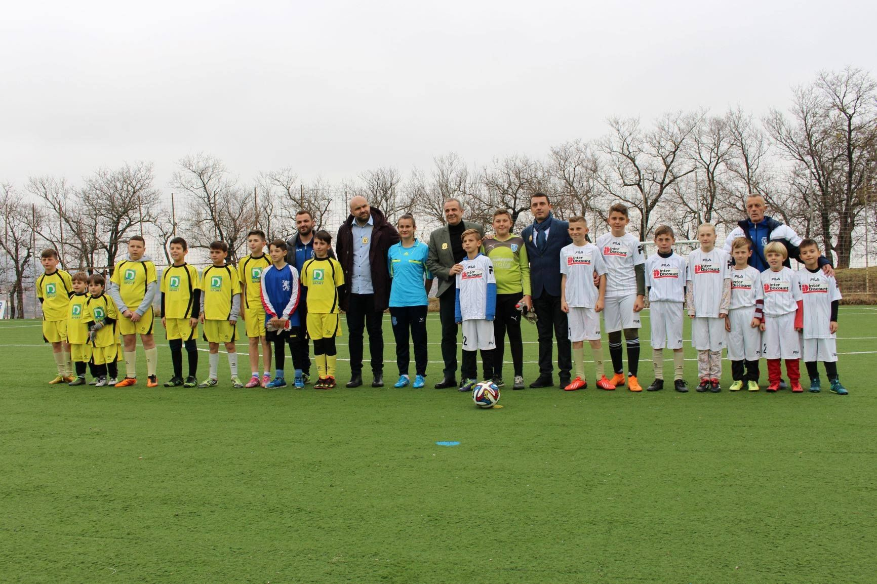 Ministri Gashi përuron Stadiumin në Shtime, të rinjtë e vendit tonë do kenë kushte më të mira për ta avancuar tutje sportin