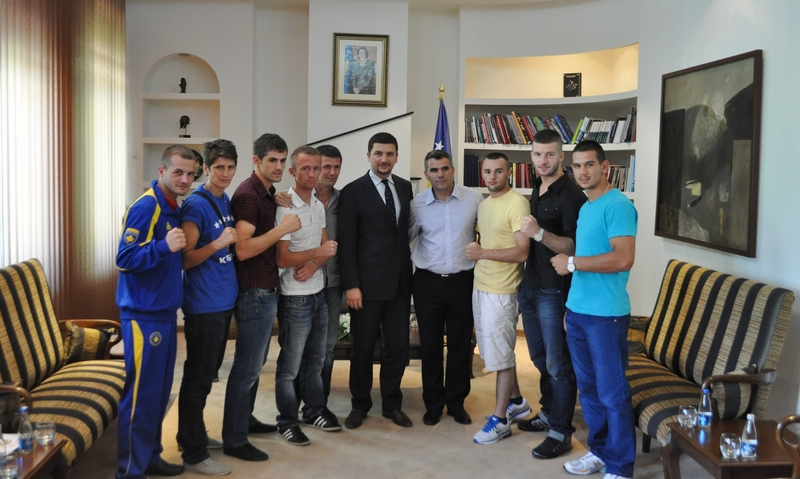Minister Krasniqi welcomed in a meeting today the Kosovo Kickboxing